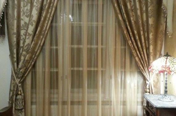 Hálószoba klasszikus, bogenes drapériával