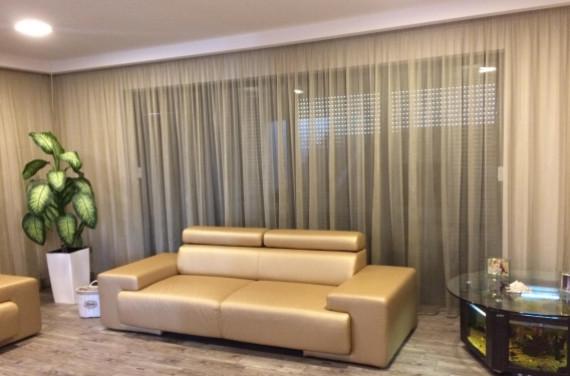 Modern nappali arany színnel 1.