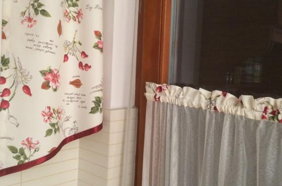 Vitrázsfüggöny dekorral, és oldalsállal 3.