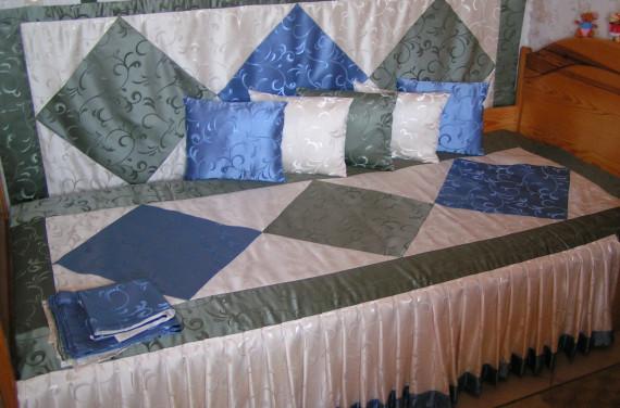 Falvédő-ágytakaró-párna